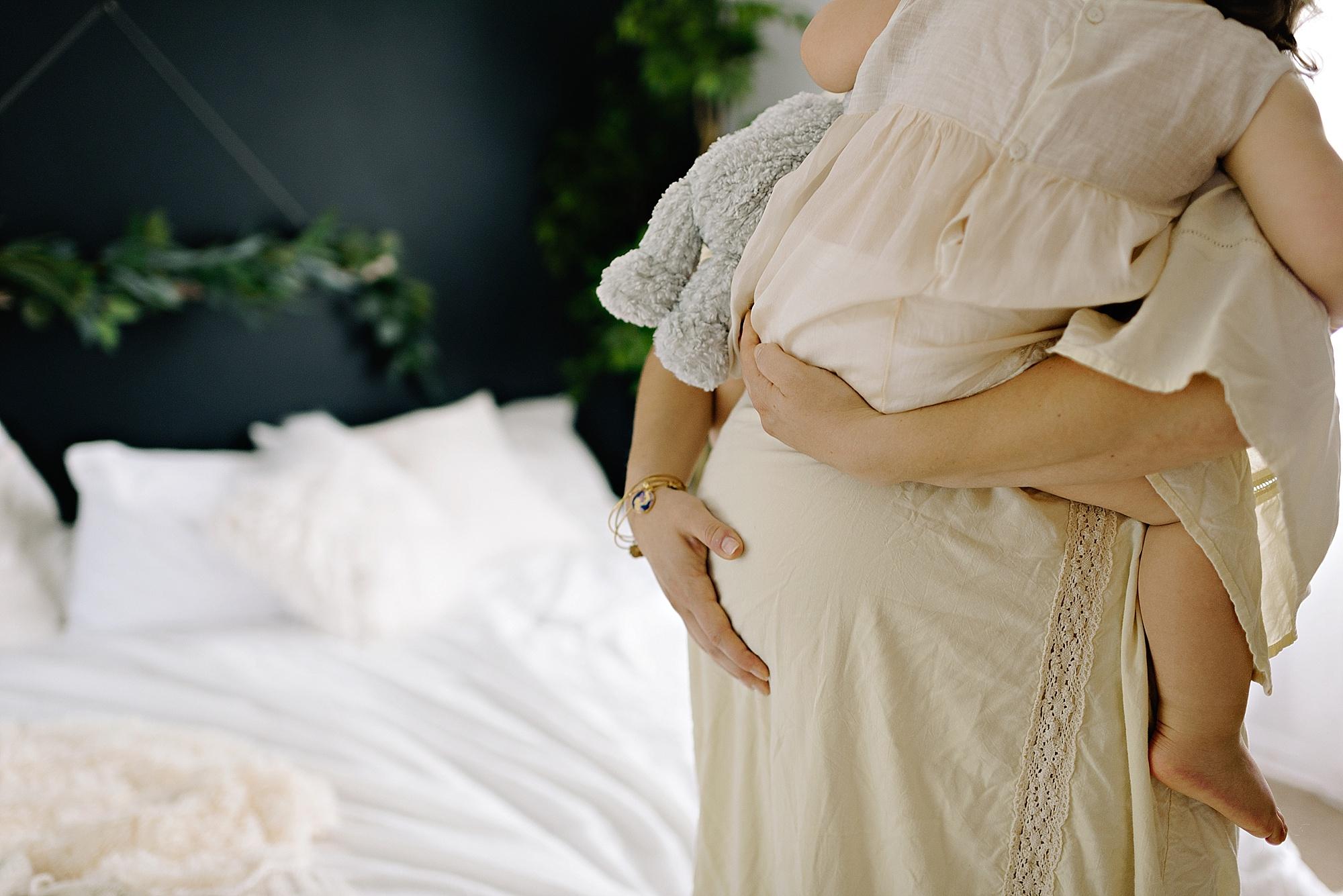 lauren-grayson-photography-cleveland-ohio-photographer-momm-and-me-studio-photo-shoot_0666.jpg