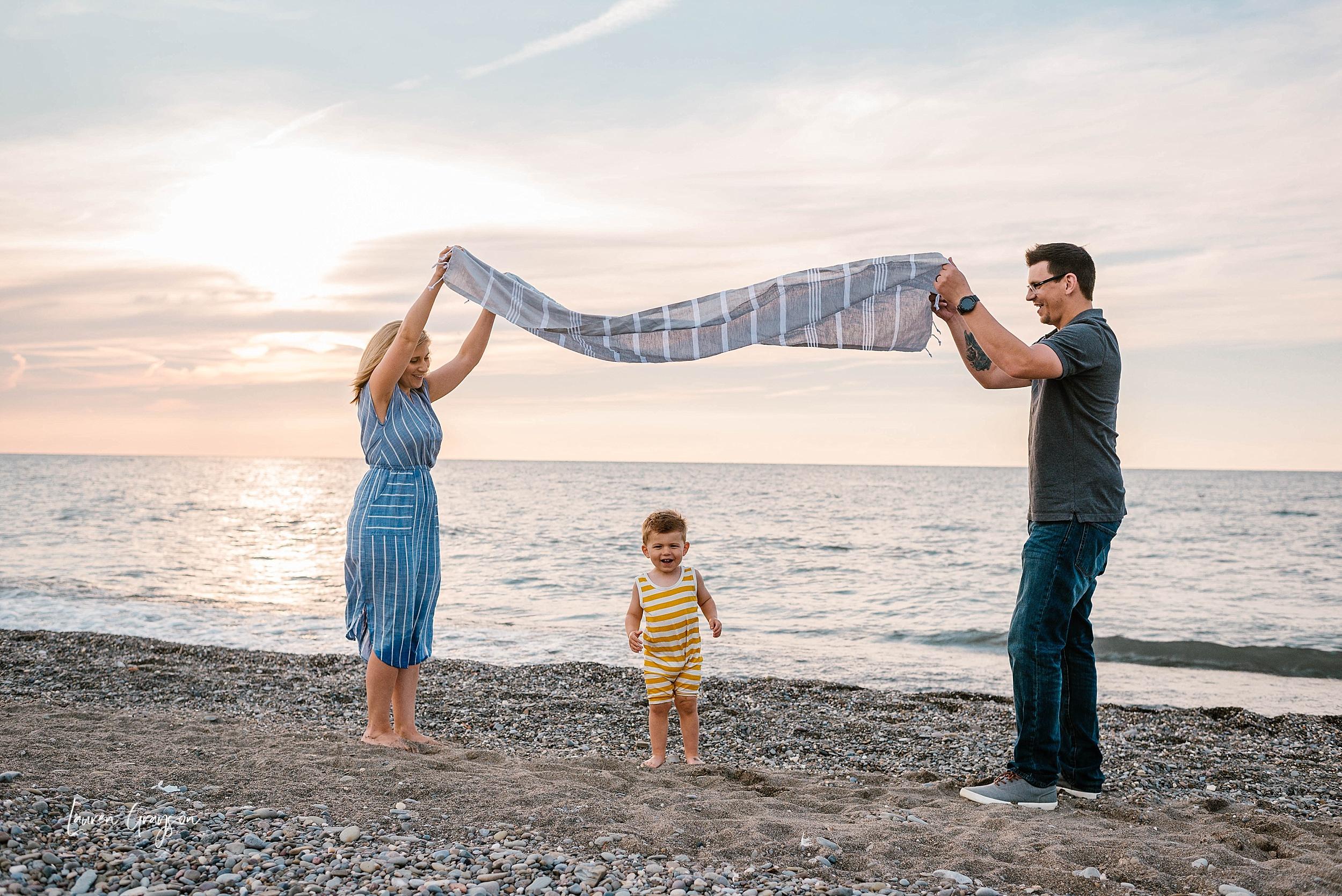 lauren-grayson-photography-cleveland-ohio-photographer-mentor-headlands-beach-maternity-session-2018_0770.jpg