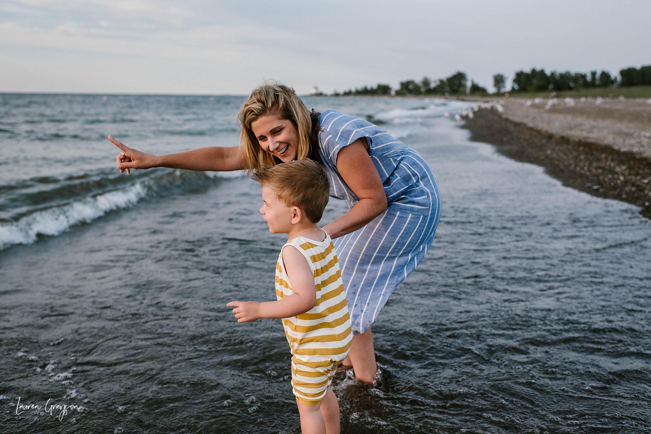 lauren-grayson-photography-cleveland-ohio-photographer-mentor-headlands-beach-maternity-session-2018_0766.jpg
