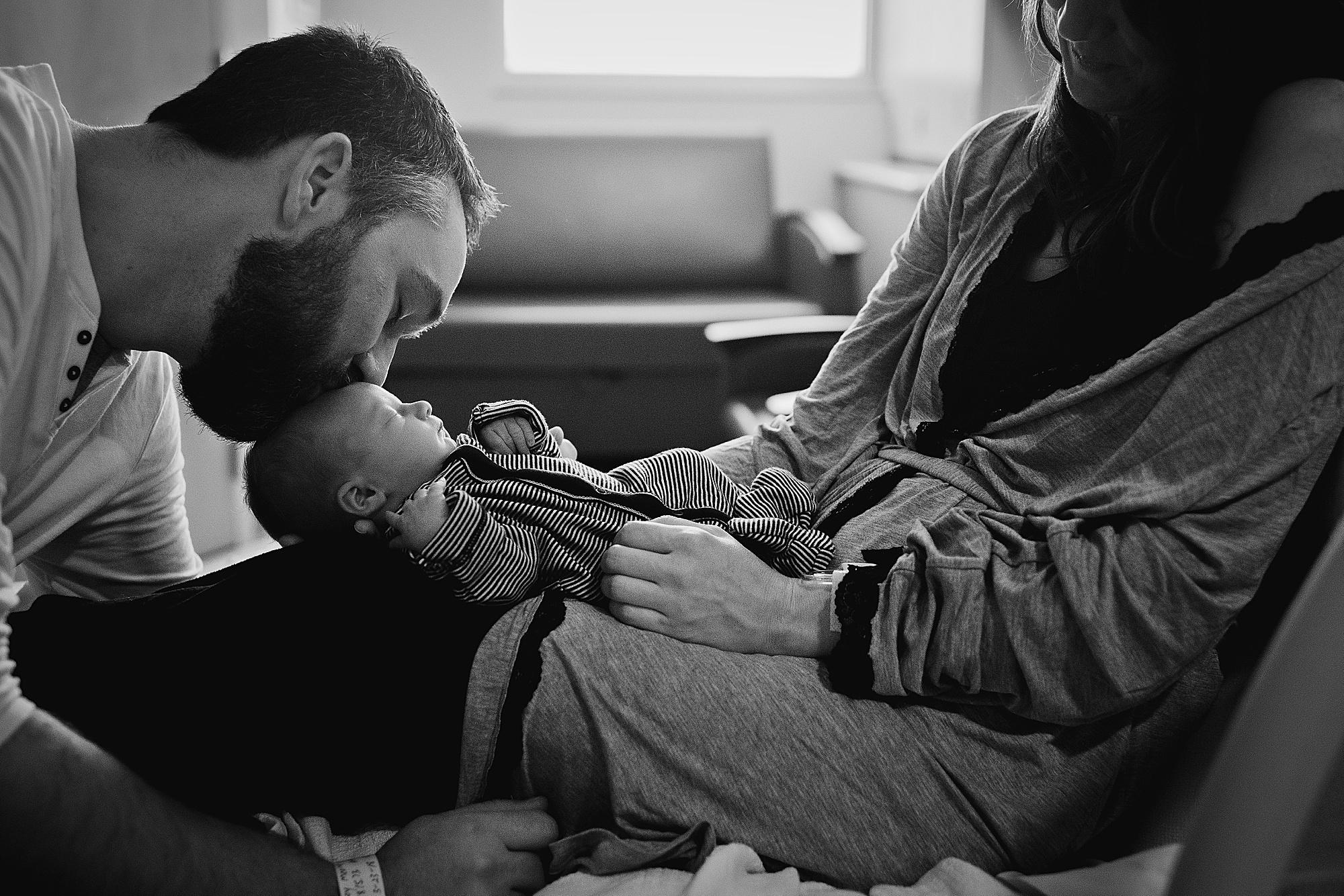 lauren-grayson-photography-akron-ohio-cleveland-best-newborn-photos-baby-photographer-2018_0015.jpg
