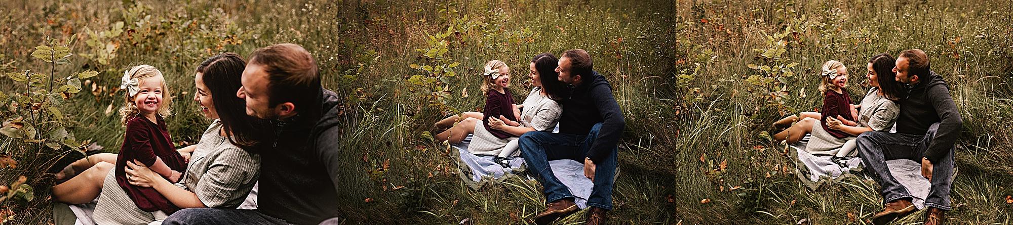 lauren-grayson-photography-akron-ohio-maternity-session-fall-hammer_0046.jpg