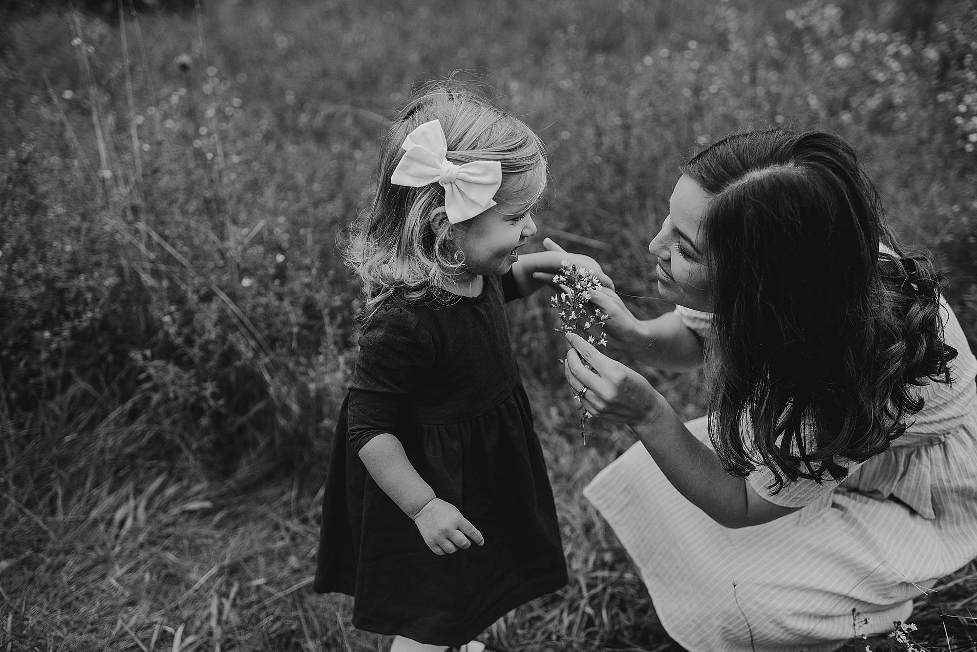 lauren-grayson-photography-akron-ohio-maternity-session-fall-hammer_0039.jpg