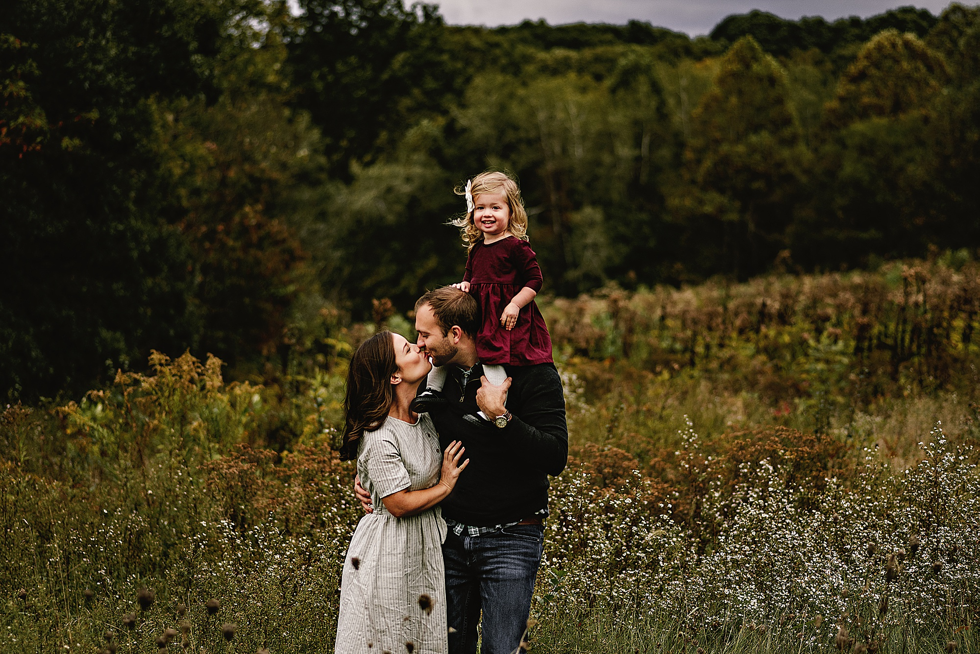 lauren-grayson-photography-akron-ohio-maternity-session-fall-hammer_0036.jpg