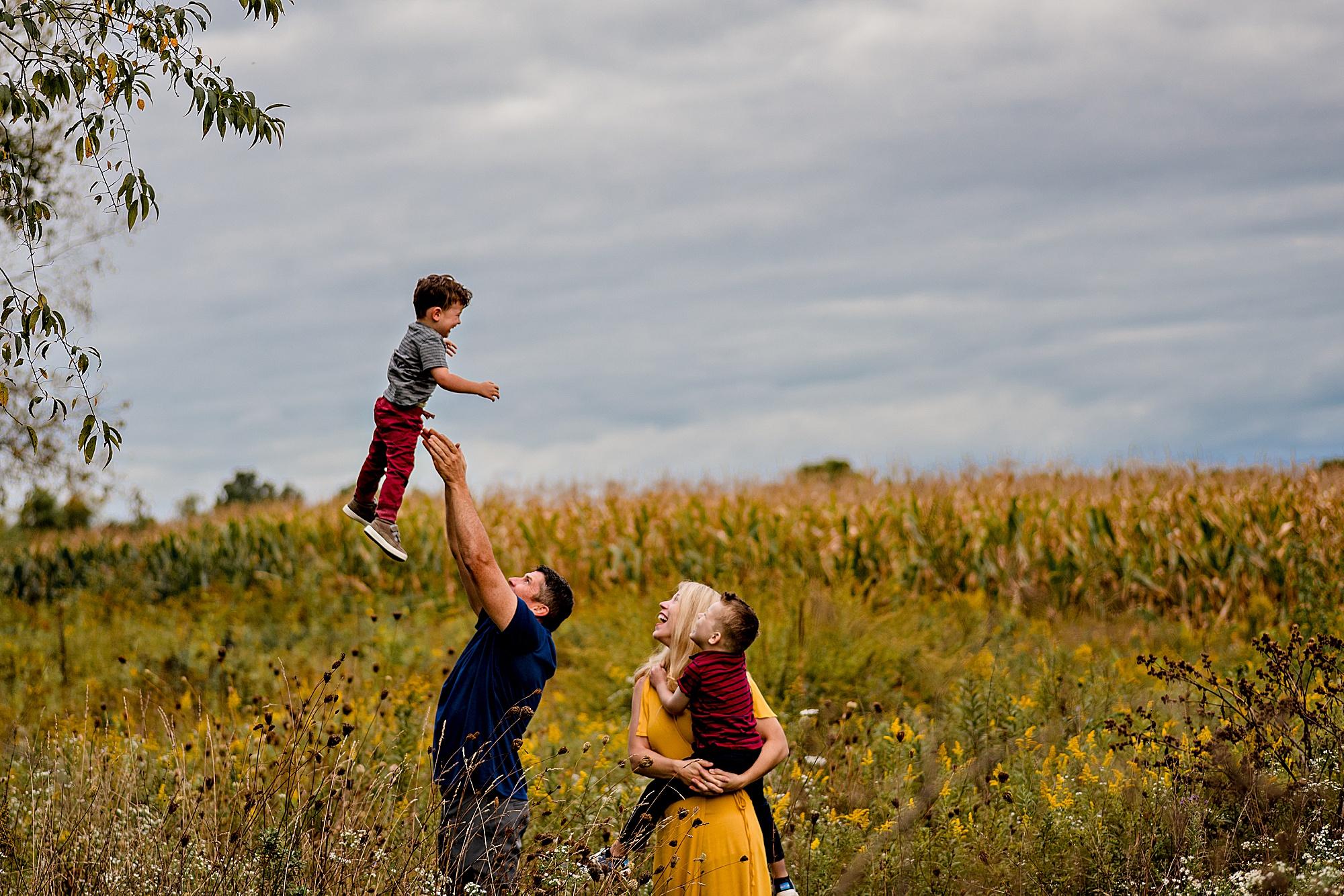 lauren-grayson-photography-akron-ohio-best-family-photos-2018-cleveland_0009.jpg