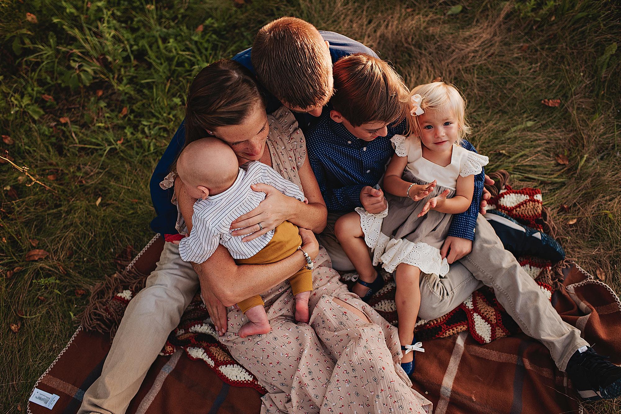 lauren-grayson-photography-akron-ohio-best-family-photos-2018-cleveland_0010.jpg