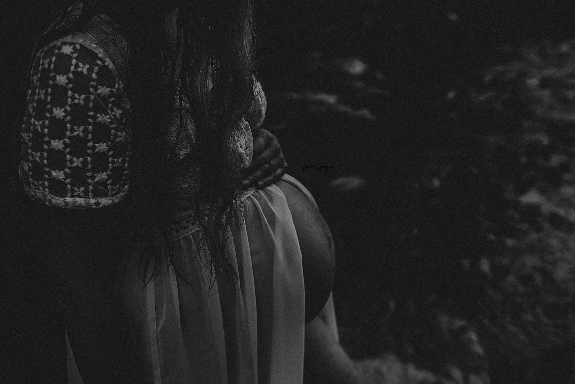 lauren-grayson-photography-akron-ohio-maternity-photographer-waterfall-sarah-f_0030.jpg