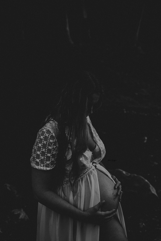 lauren-grayson-photography-akron-ohio-maternity-photographer-waterfall-sarah-f_0024.jpg