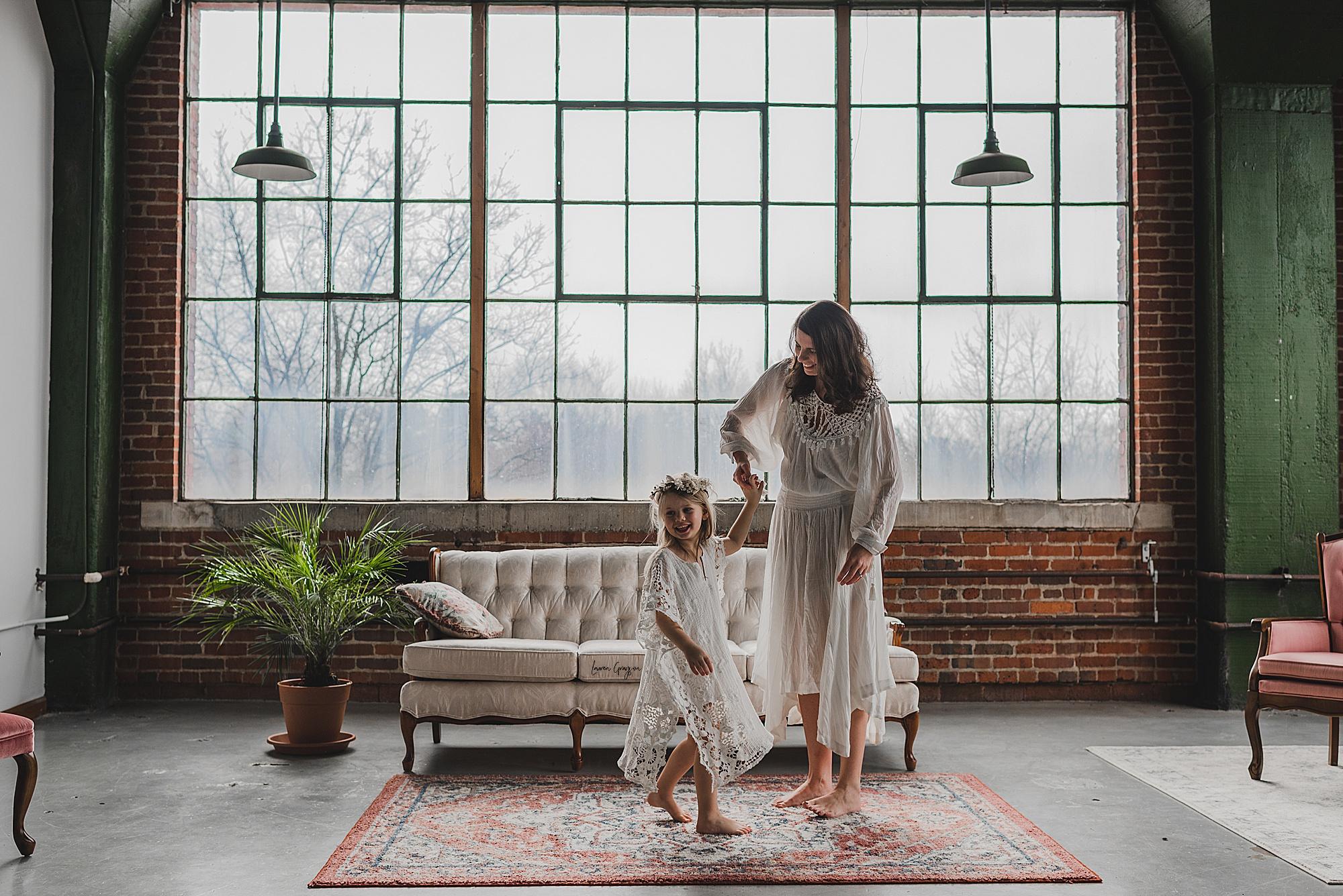 lauren-grayson-photography-canton-ohio-newborn-family-photographer-woods-lacey_0066.jpg