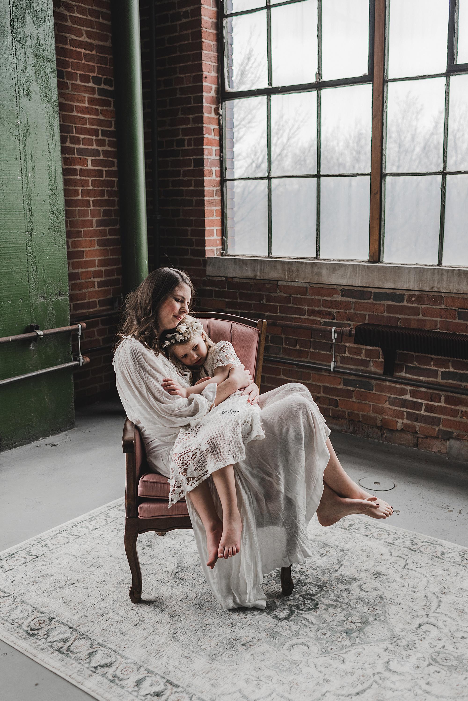 lauren-grayson-photography-canton-ohio-newborn-family-photographer-woods-lacey_0061.jpg