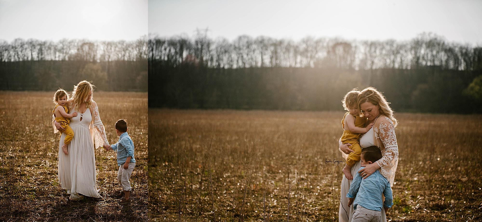 lauren-grayson-photography-akron-ohio-family-mom-boys-field-spring-outdoor-session_0010.jpg