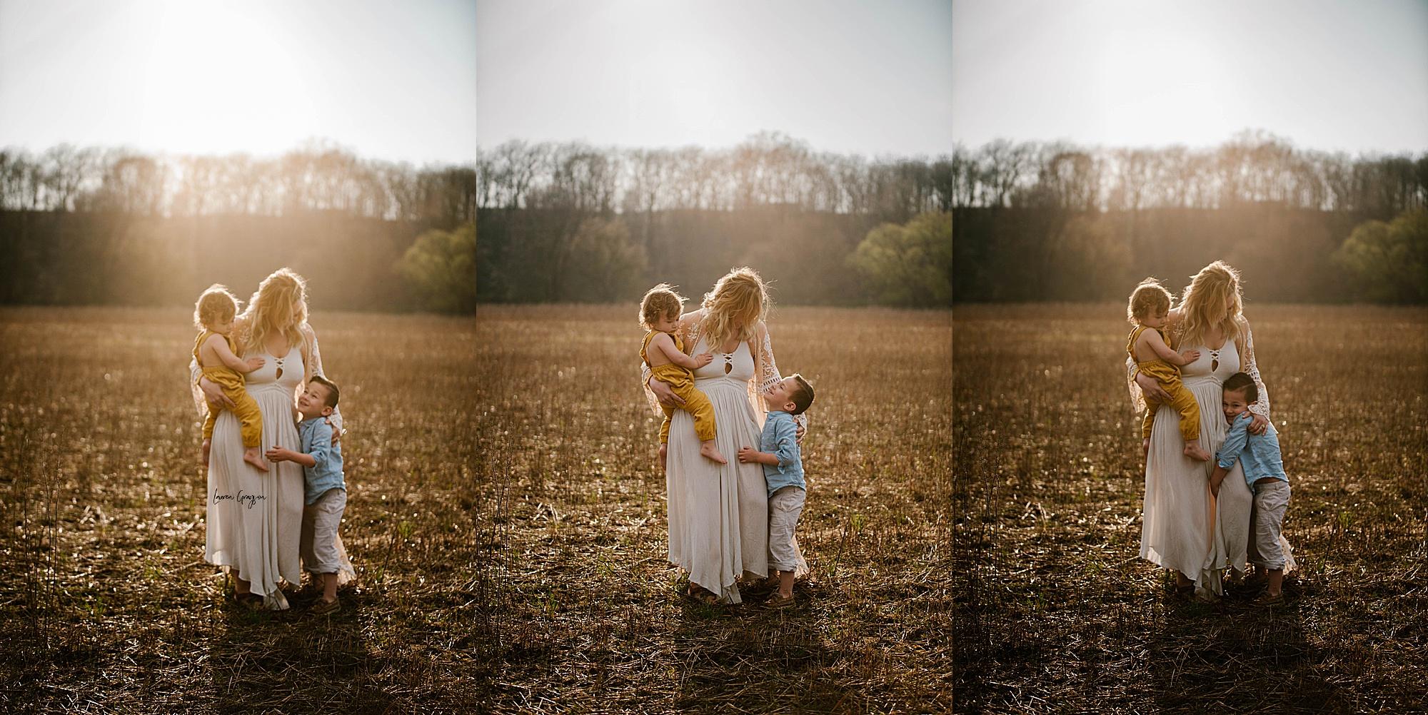 lauren-grayson-photography-akron-ohio-family-mom-boys-field-spring-outdoor-session_0014.jpg