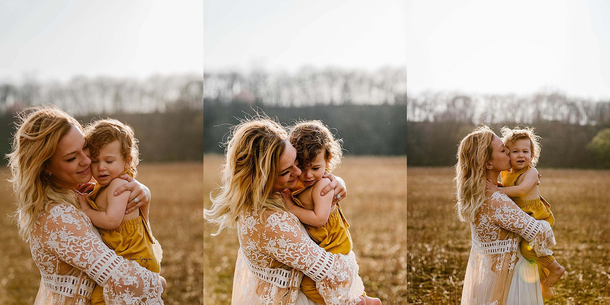 lauren-grayson-photography-akron-ohio-family-mom-boys-field-spring-outdoor-session_0019.jpg