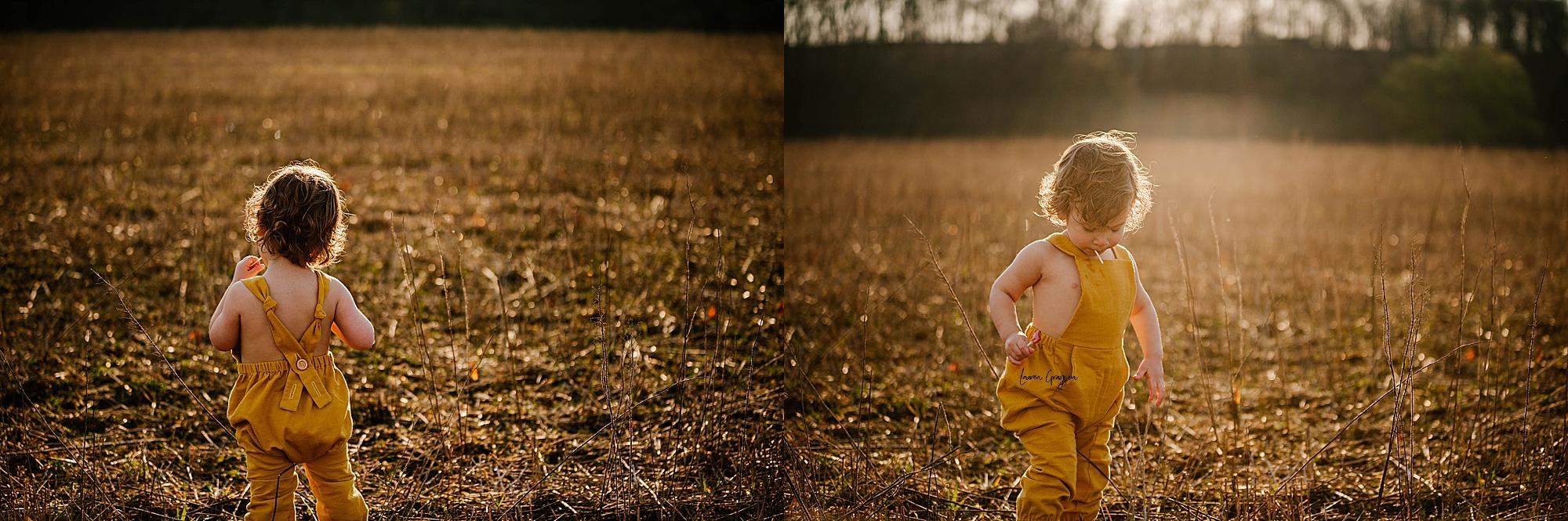 lauren-grayson-photography-akron-ohio-family-mom-boys-field-spring-outdoor-session_0029.jpg