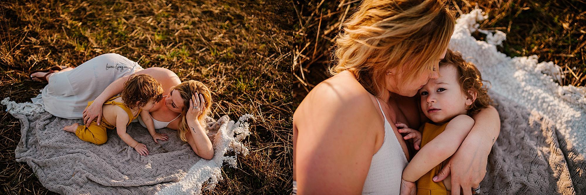 lauren-grayson-photography-akron-ohio-family-mom-boys-field-spring-outdoor-session_0032.jpg