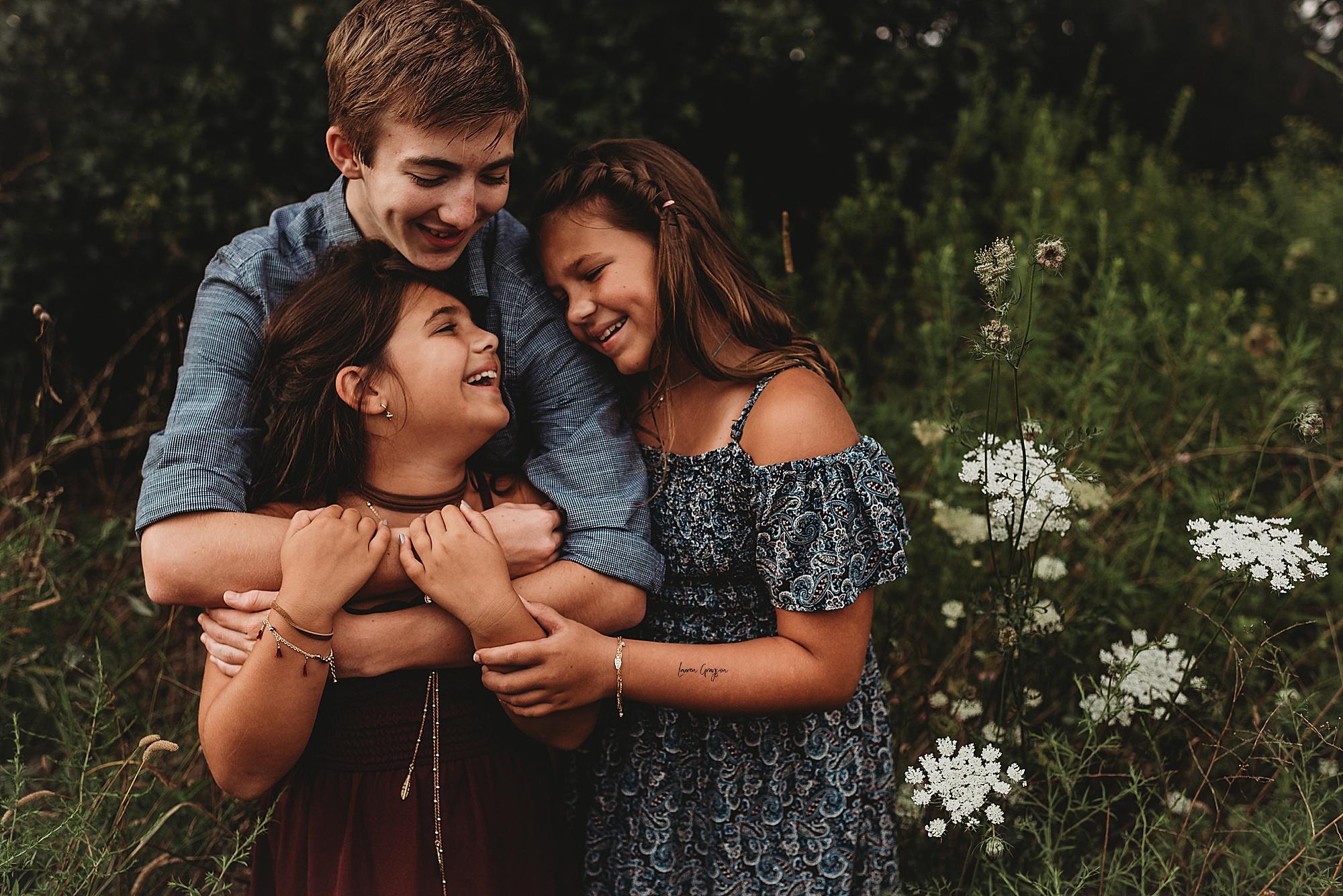 lauren-grayson-photography-akron-ohio-family-mom-boys-field-spring-outdoor-session_0038.jpg