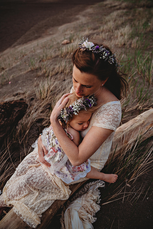 lauren-grayson-photography-mentor-headlands-park-cleveland-ohio-photographer-tiffany-maternity-_0016.jpg