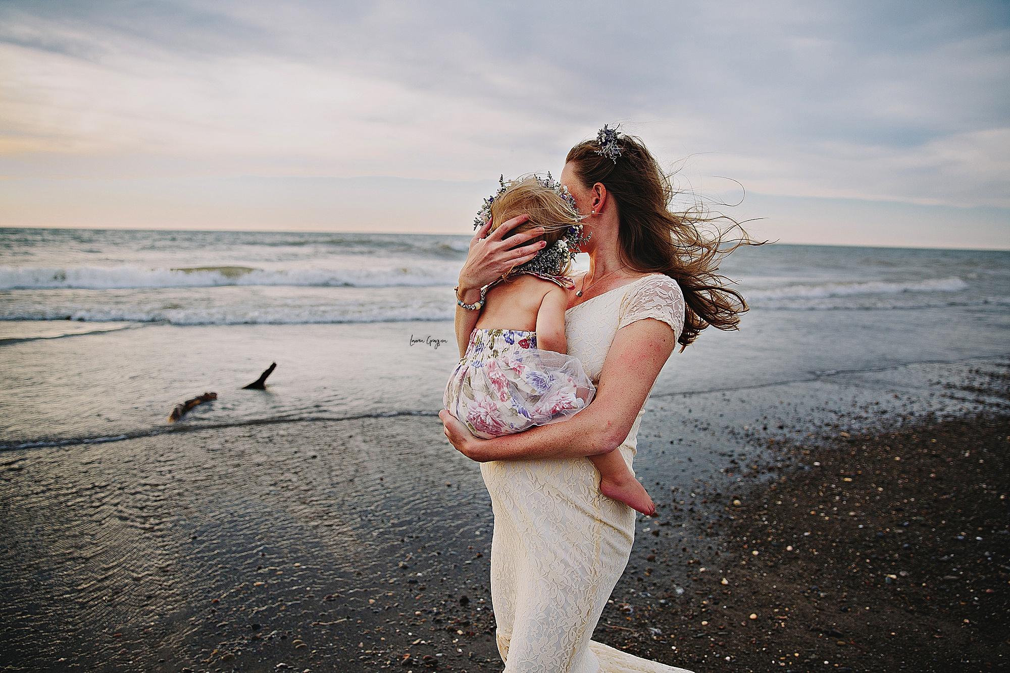 lauren-grayson-photography-mentor-headlands-park-cleveland-ohio-photographer-tiffany-maternity-_0004.jpg