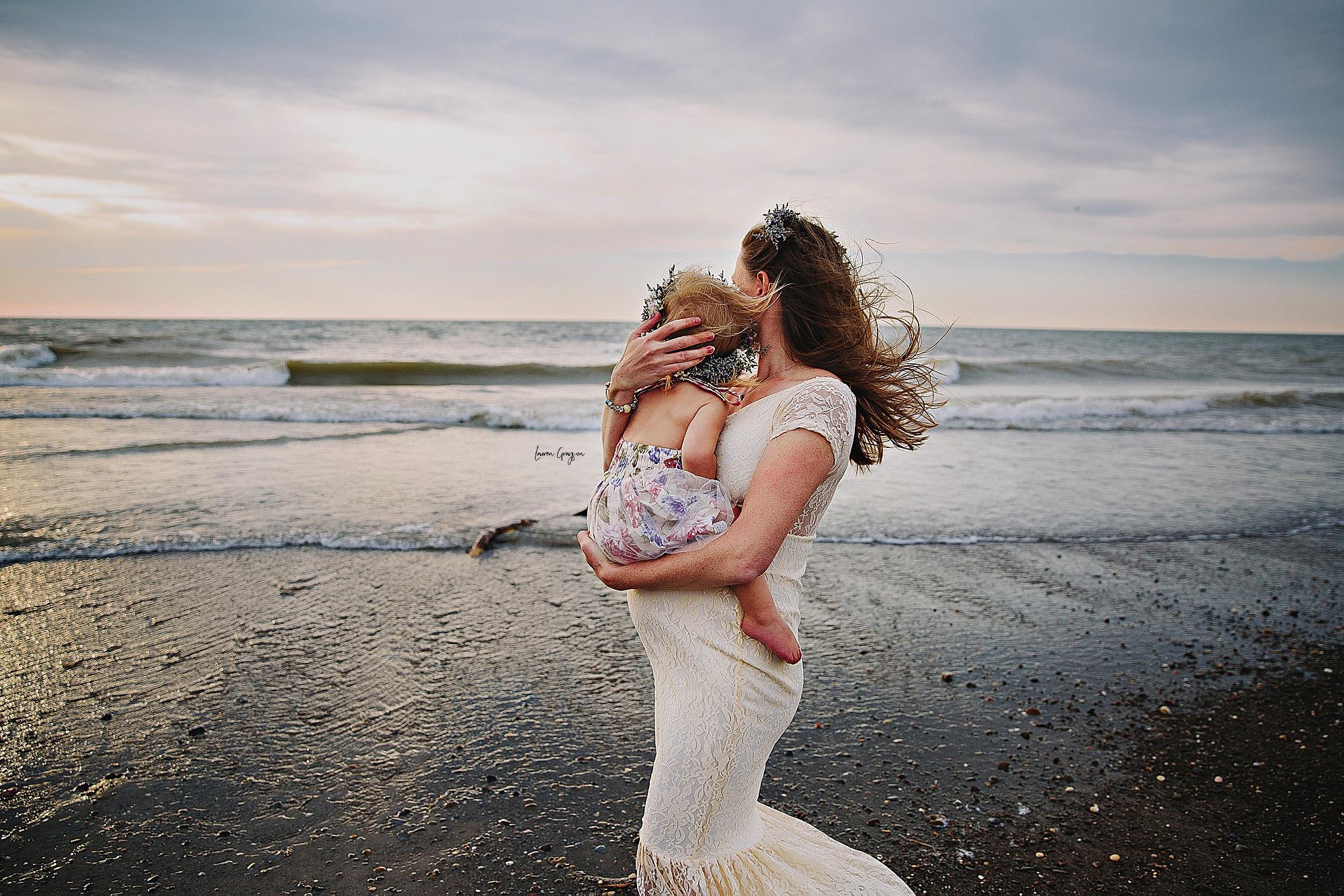 lauren-grayson-photography-mentor-headlands-park-cleveland-ohio-photographer-tiffany-maternity-_0003.jpg