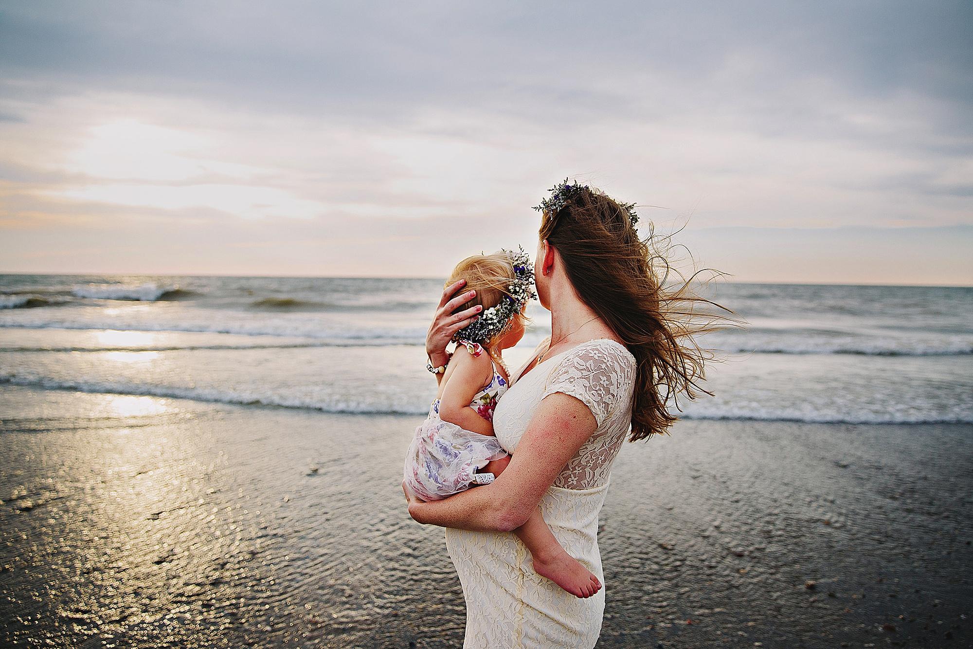lauren-grayson-photography-mentor-headlands-park-cleveland-ohio-photographer-tiffany-maternity-_0001.jpg