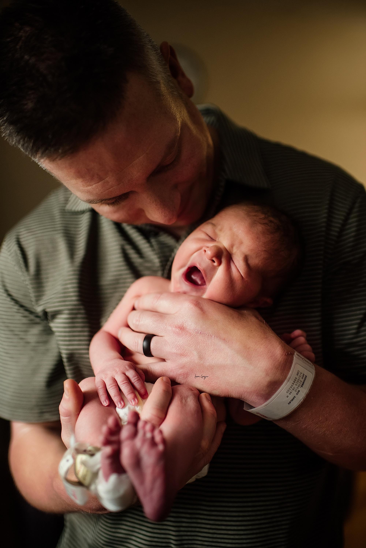 lauren-grayson-photography-akron-ohio-newborn-fresh-48-session-joshua_0021.jpg