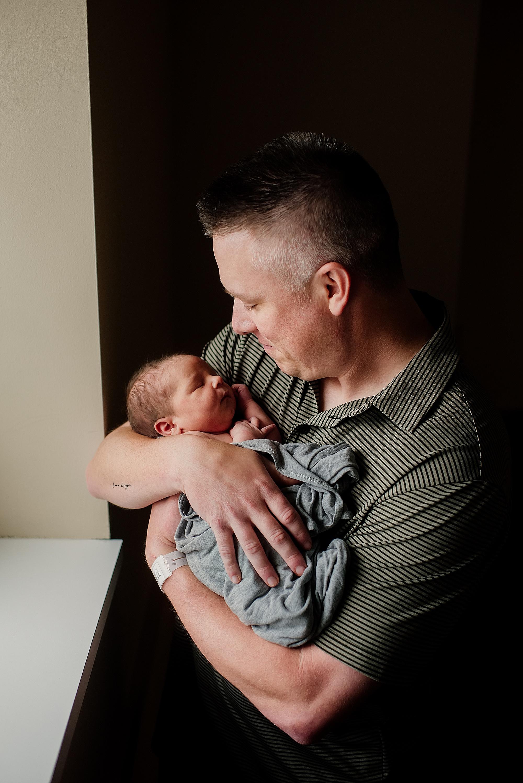 lauren-grayson-photography-akron-ohio-newborn-fresh-48-session-joshua_0017.jpg