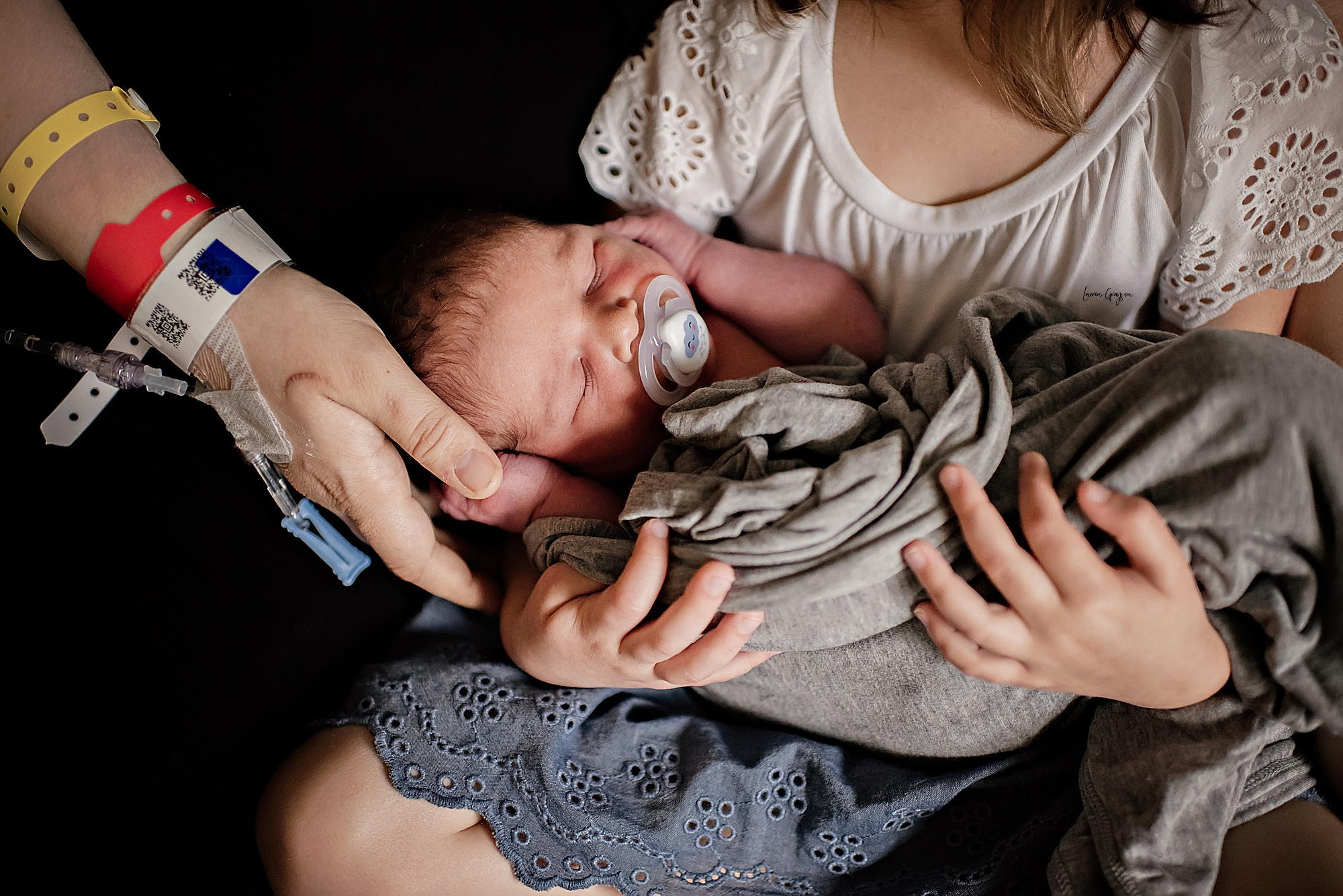 lauren-grayson-photography-akron-ohio-newborn-fresh-48-session-joshua_0012.jpg