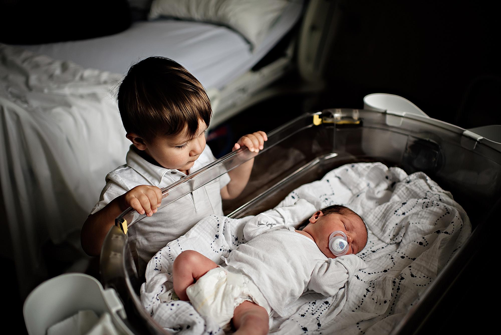 lauren-grayson-photography-akron-ohio-newborn-fresh-48-session-joshua_0008.jpg