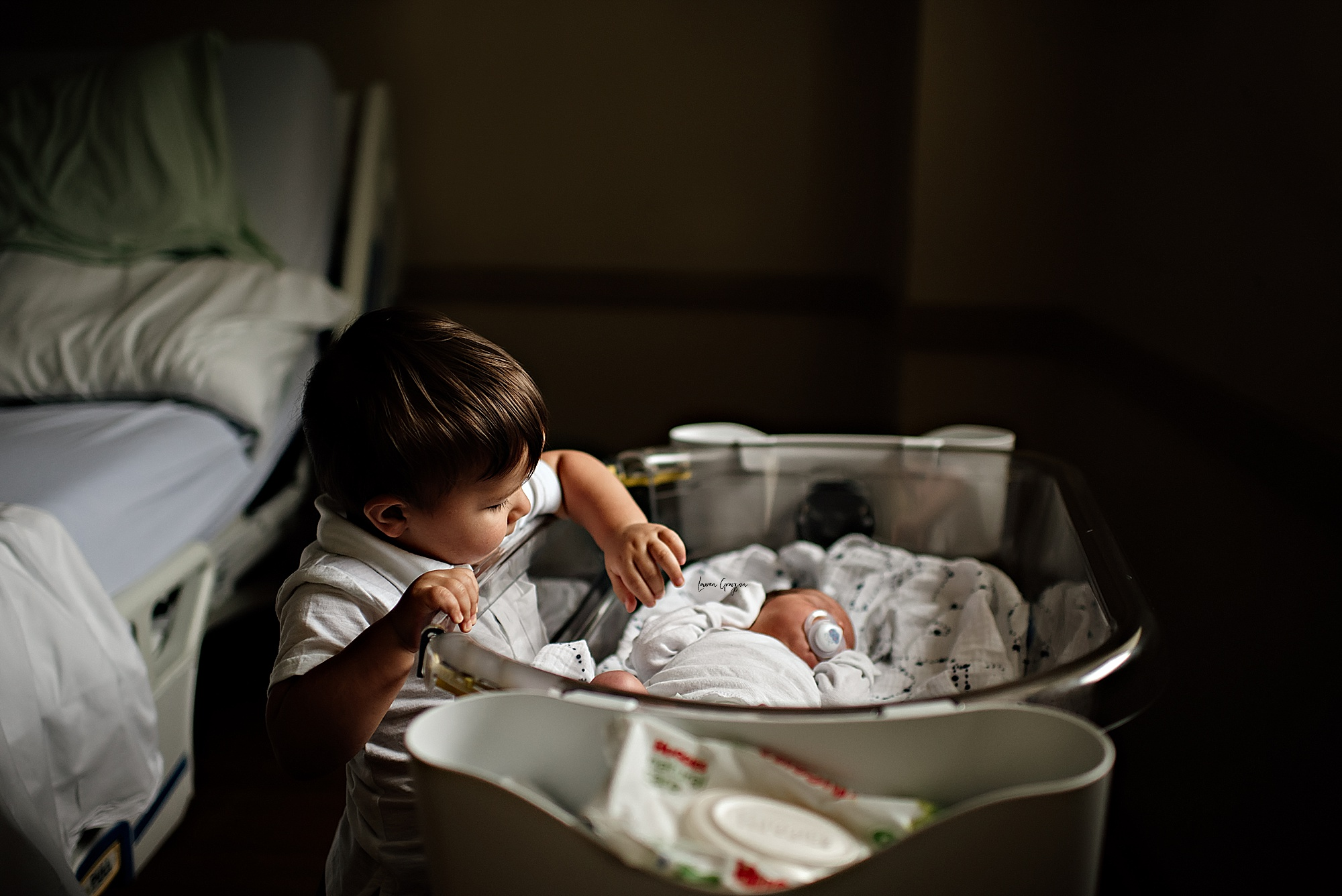 akron photographer, fresh 48 session, hospital newborn photos