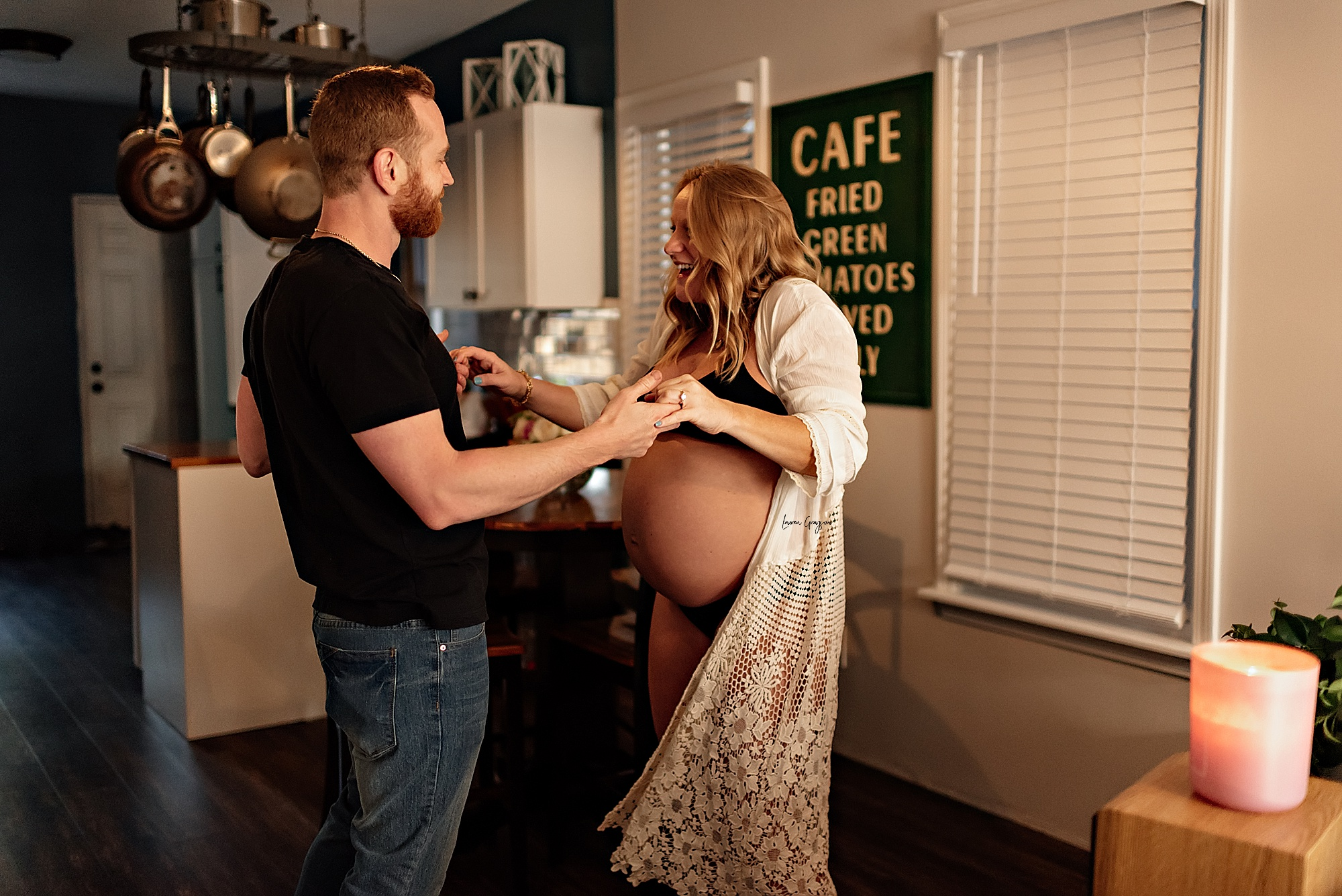 cleveland photographer, intimate maternity session at home, lauren grayson photography