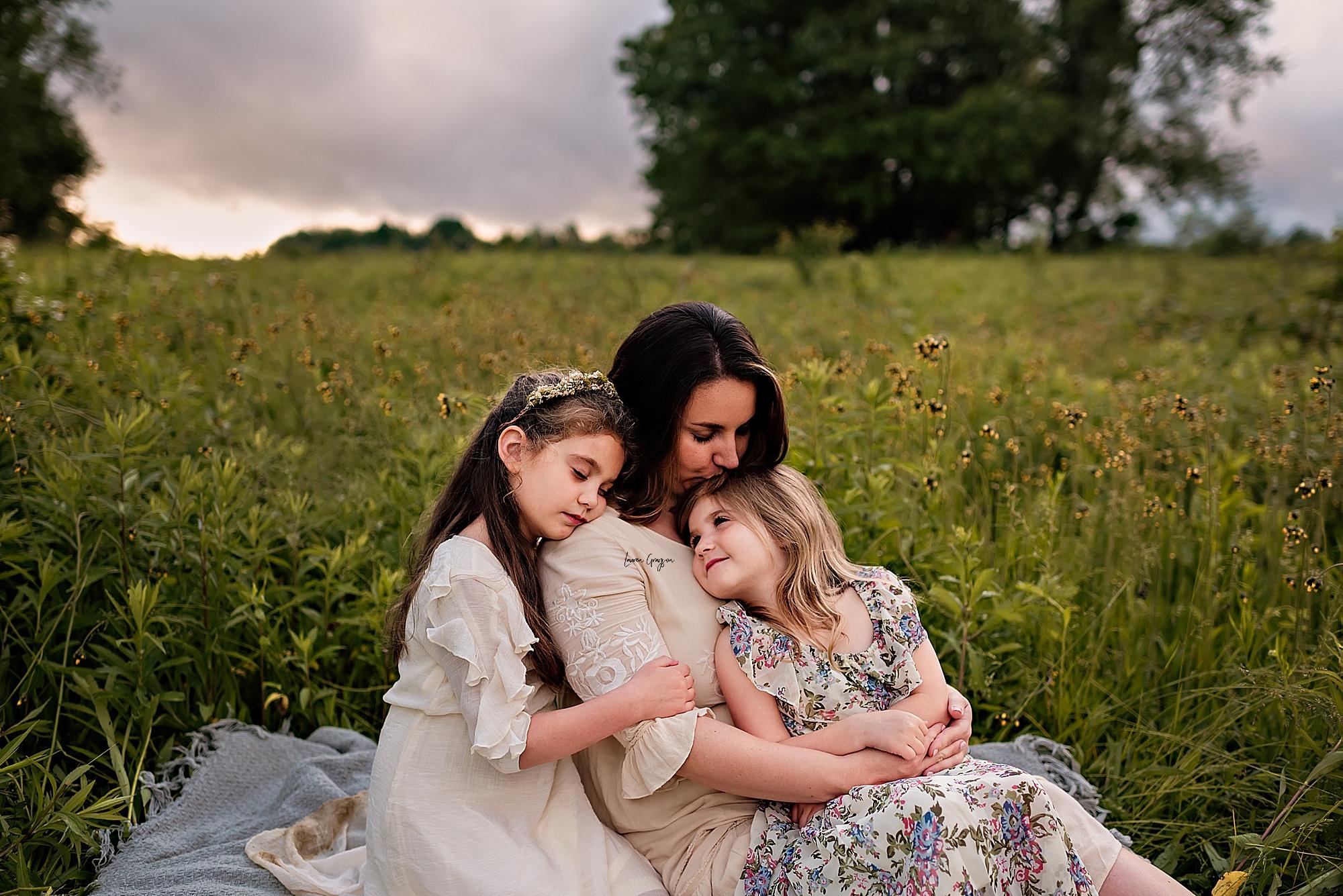 lauren-grayson-photography-akron-ridenour-family-summer-fields-sunset-session_0031.jpg