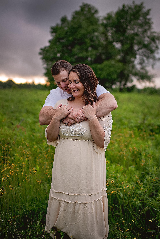 lauren-grayson-photography-akron-ridenour-family-summer-fields-sunset-session_0032.jpg