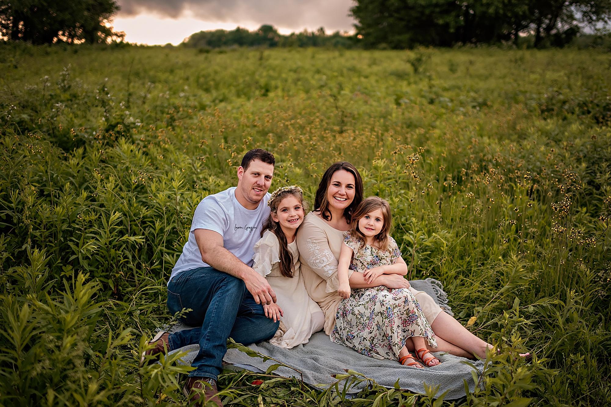 lauren-grayson-photography-akron-ridenour-family-summer-fields-sunset-session_0029.jpg
