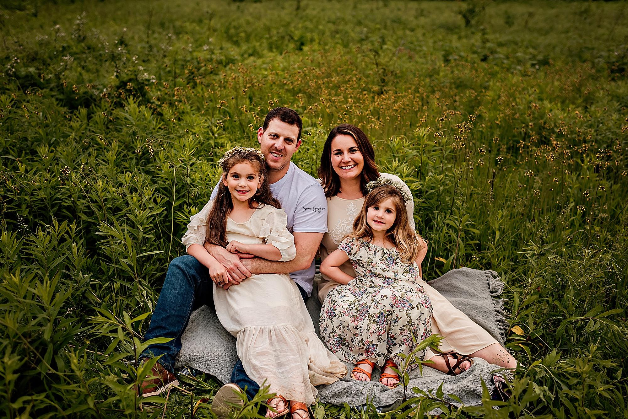 lauren-grayson-photography-akron-ridenour-family-summer-fields-sunset-session_0028.jpg