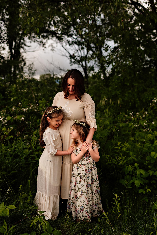 lauren-grayson-photography-akron-ridenour-family-summer-fields-sunset-session_0023.jpg
