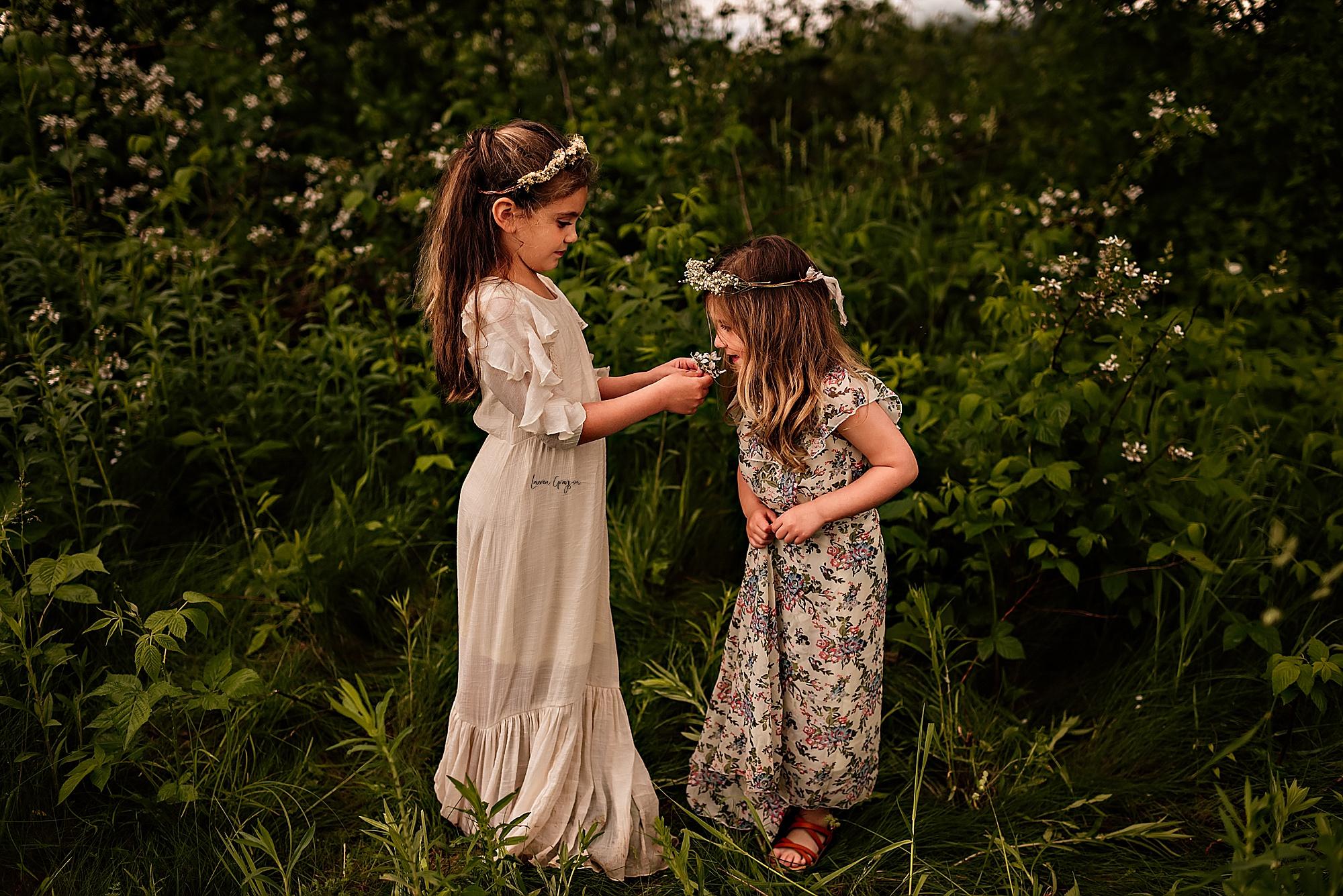 lauren-grayson-photography-akron-ridenour-family-summer-fields-sunset-session_0016.jpg