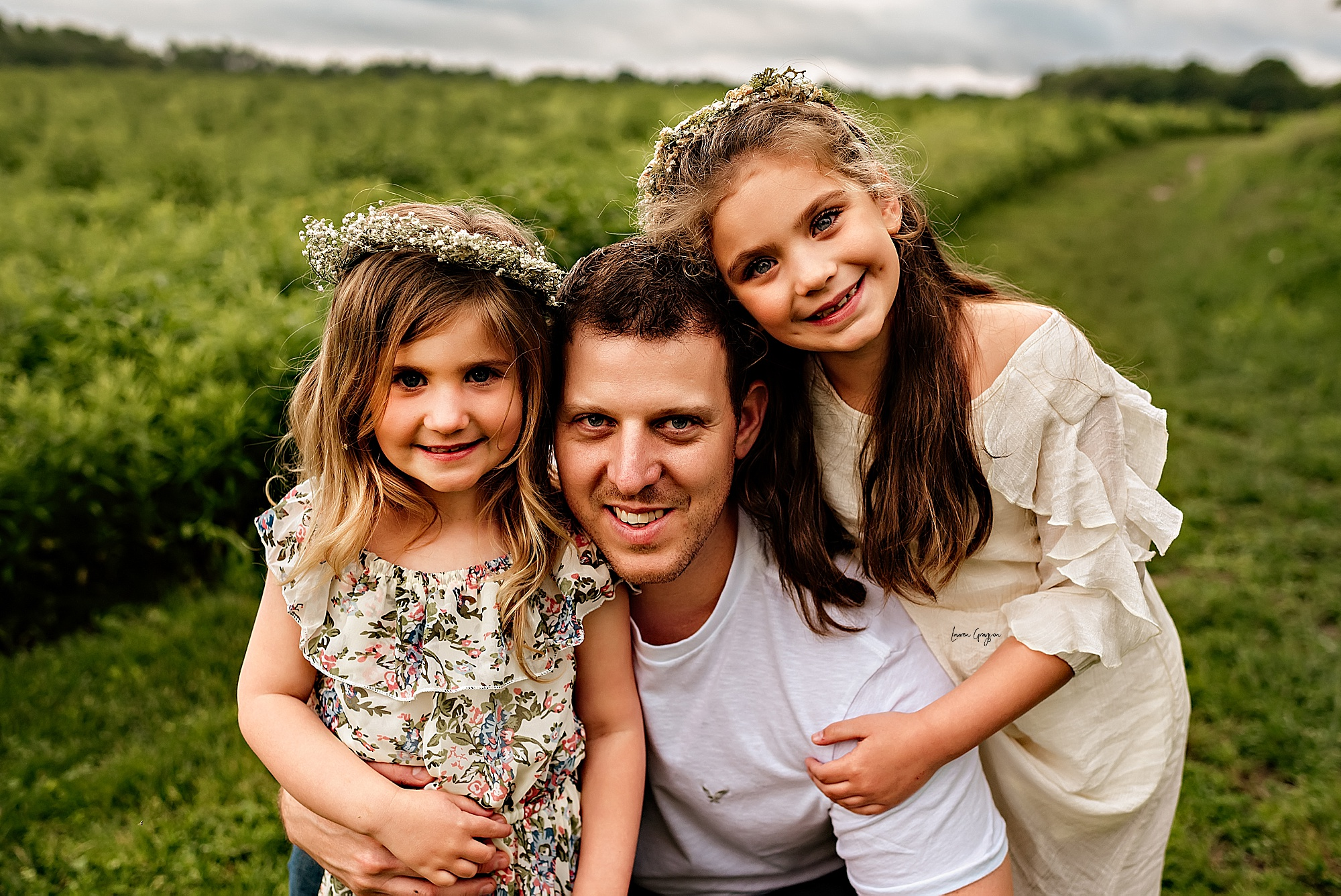 lauren-grayson-photography-akron-ridenour-family-summer-fields-sunset-session_0012.jpg