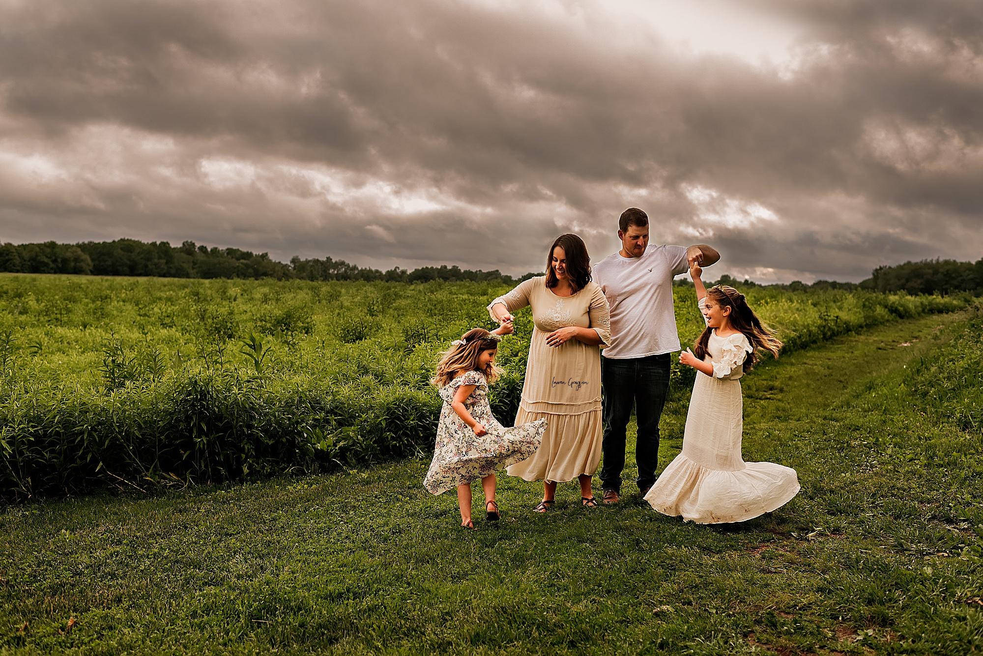 lauren-grayson-photography-akron-ridenour-family-summer-fields-sunset-session_0011.jpg