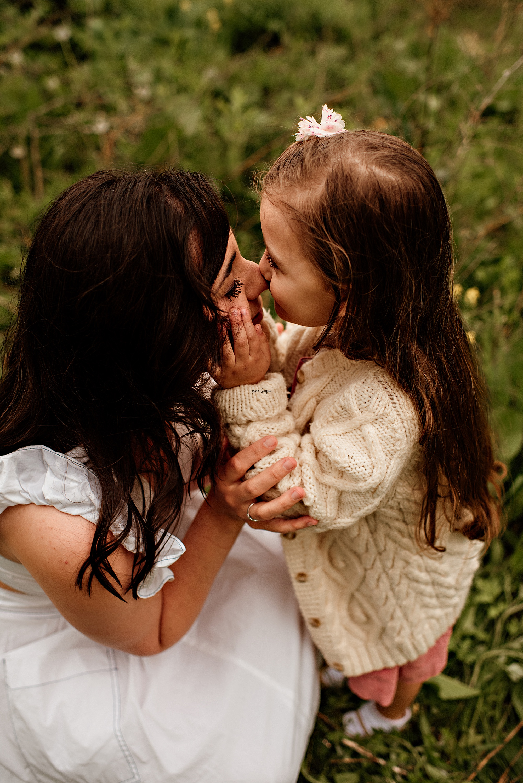family photographer canton ohio, outdoor motherhood session