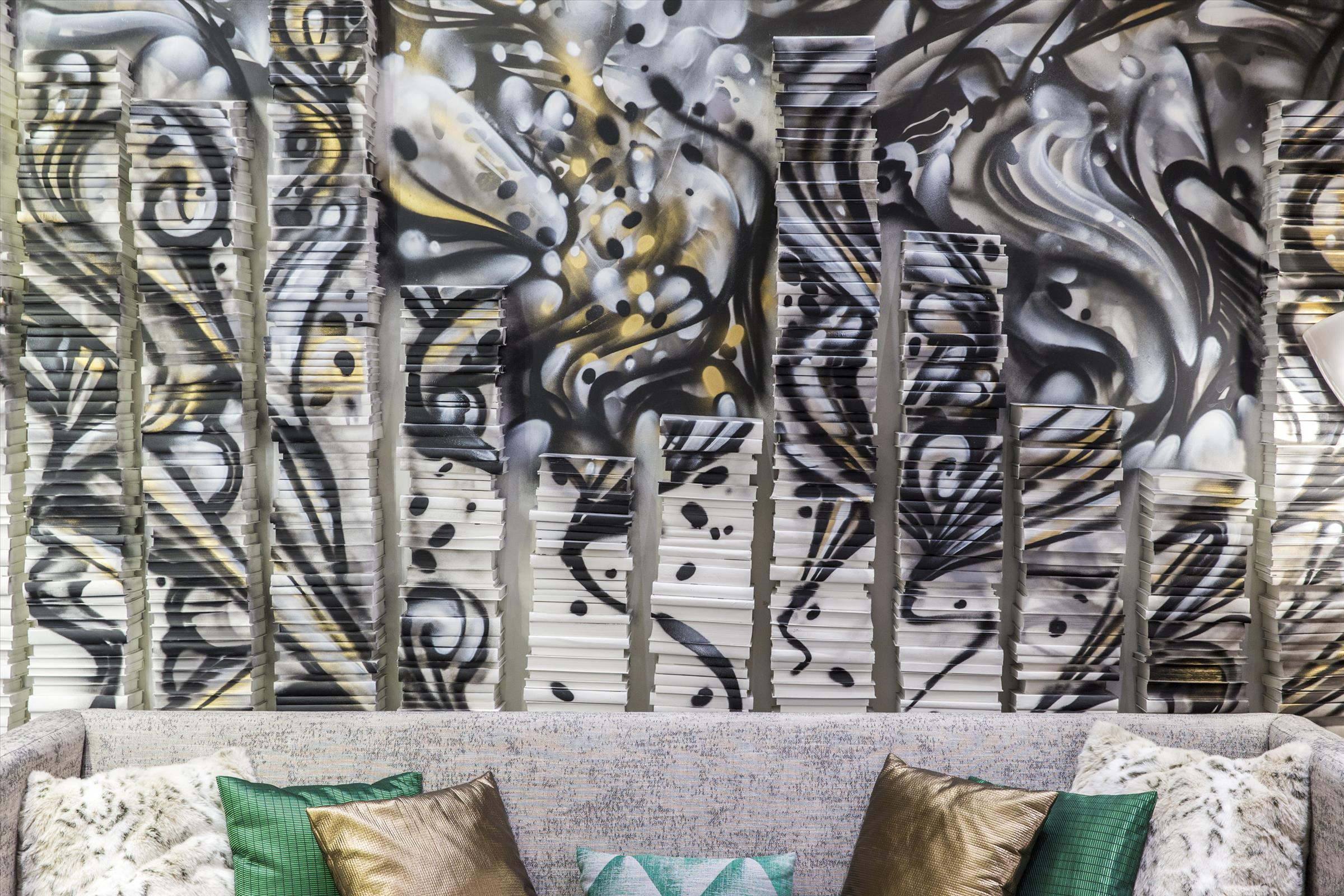 RENAISSANCE, CHICAGO DOWNTOWN - Curated by Indiewalls