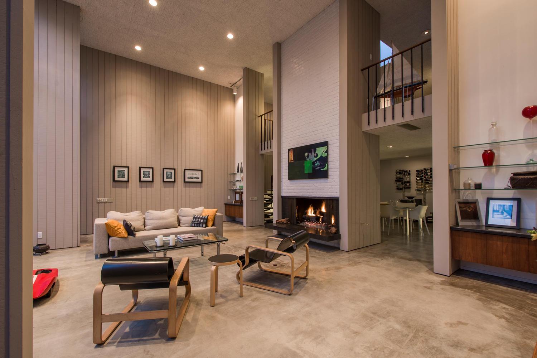 4204 Cedar Ave Long Beach CA-large-006-6-Living Room-1500x1000-72dpi.jpg