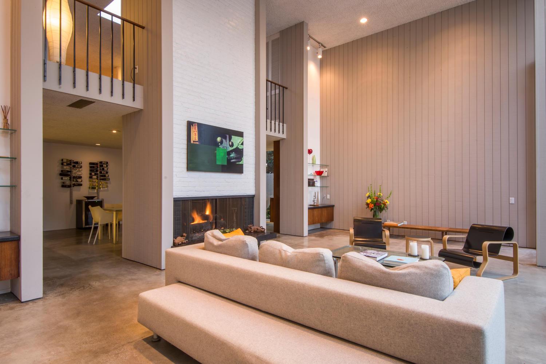 4204 Cedar Ave Long Beach CA-large-007-7-Living Room-1500x1000-72dpi.jpg
