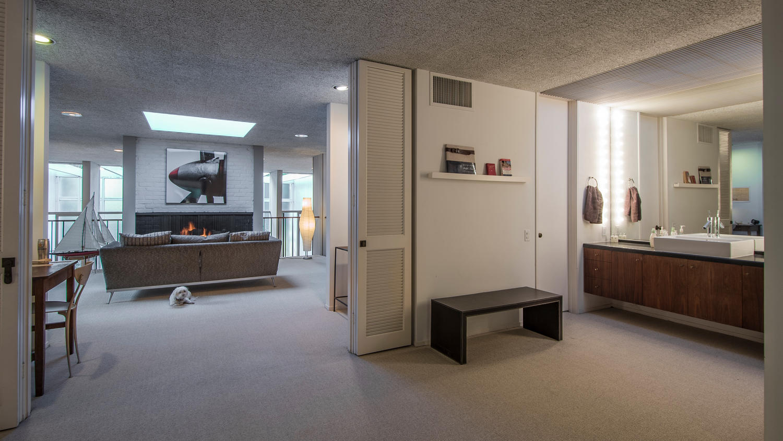 4204 Cedar Ave Long Beach CA-large-017-17-Upstairs Living RoomDen-1500x844-72dpi.jpg