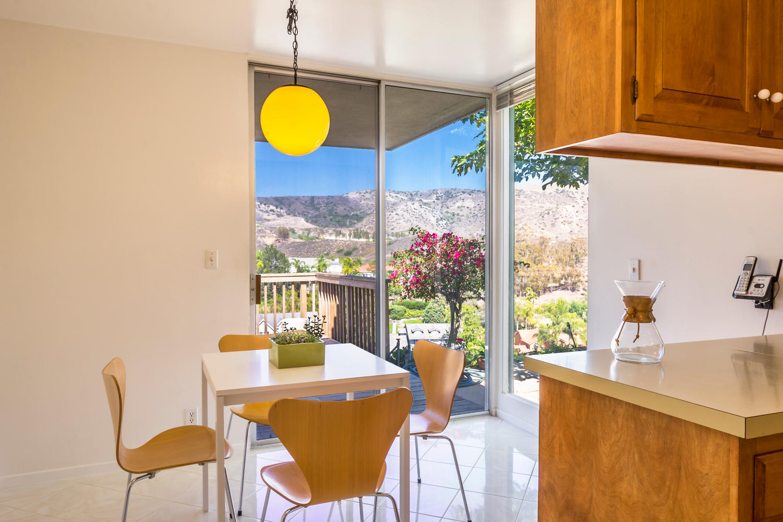 10362 Mira Vista Dr Santa Ana-large-007-7-KitchenBreakfast Area-1500x1000-72dpi.jpg