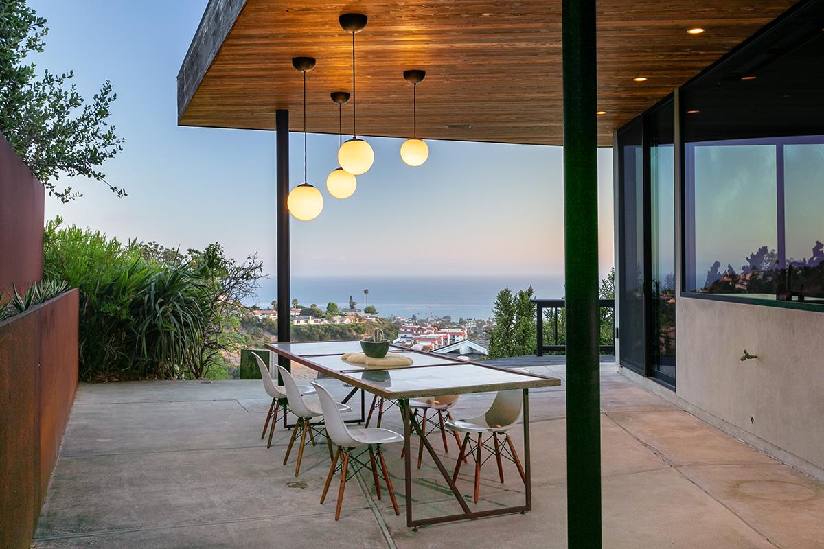dining patio web.jpg