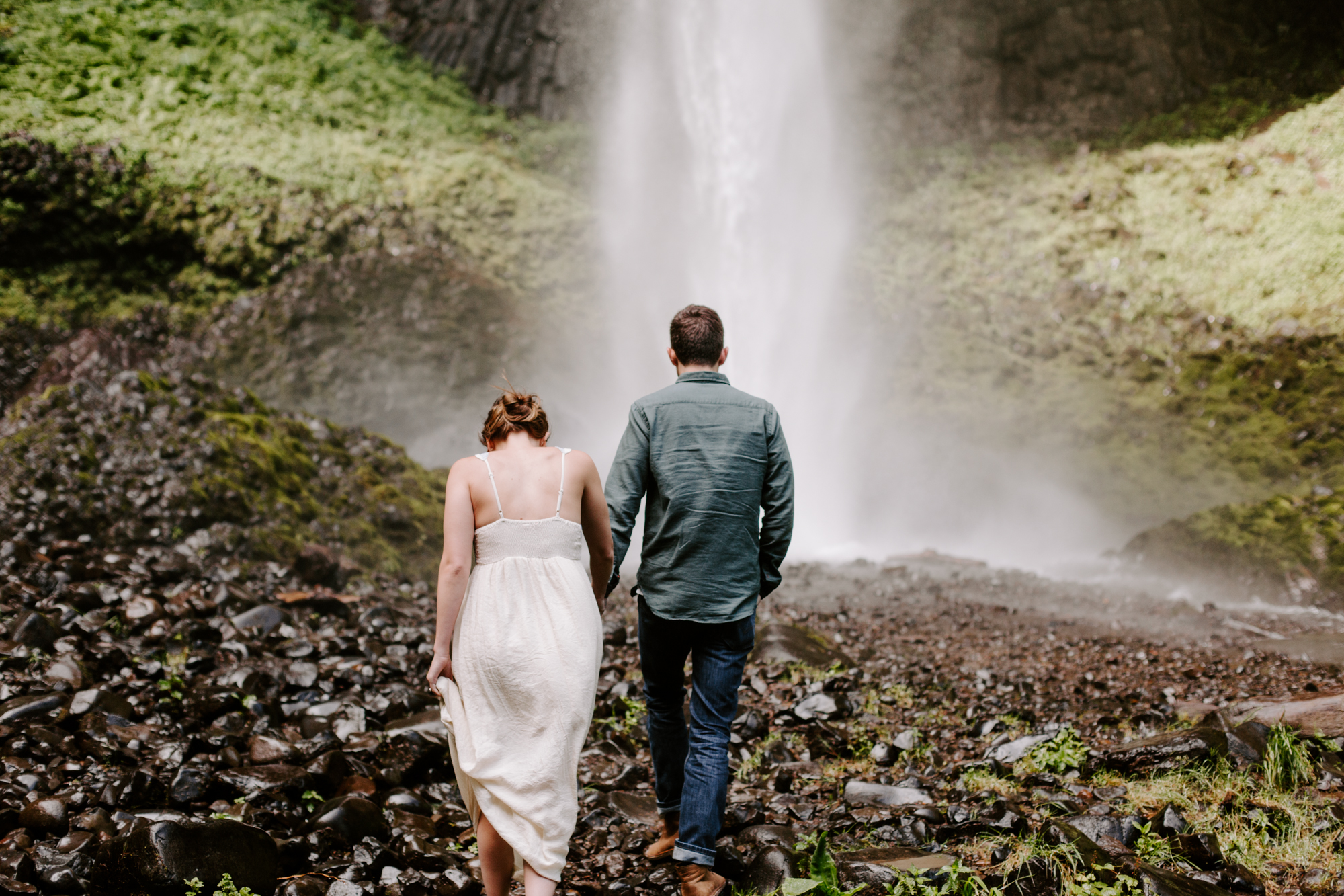 San Diego Engagement photography at LaTourell Falls Portland Oregon001.jpg