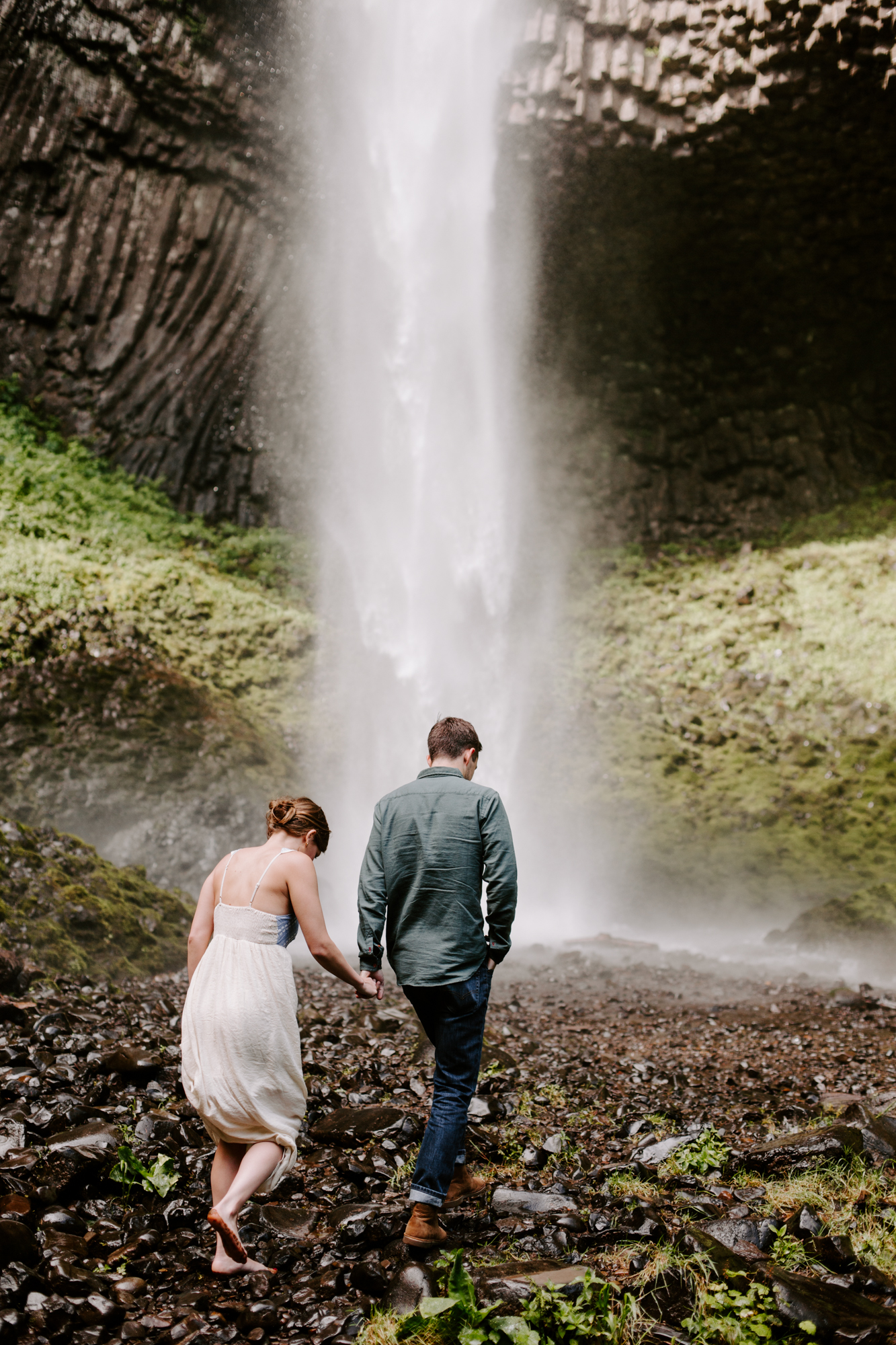 San Diego Engagement photography at LaTourell Falls Portland Oregon002.jpg