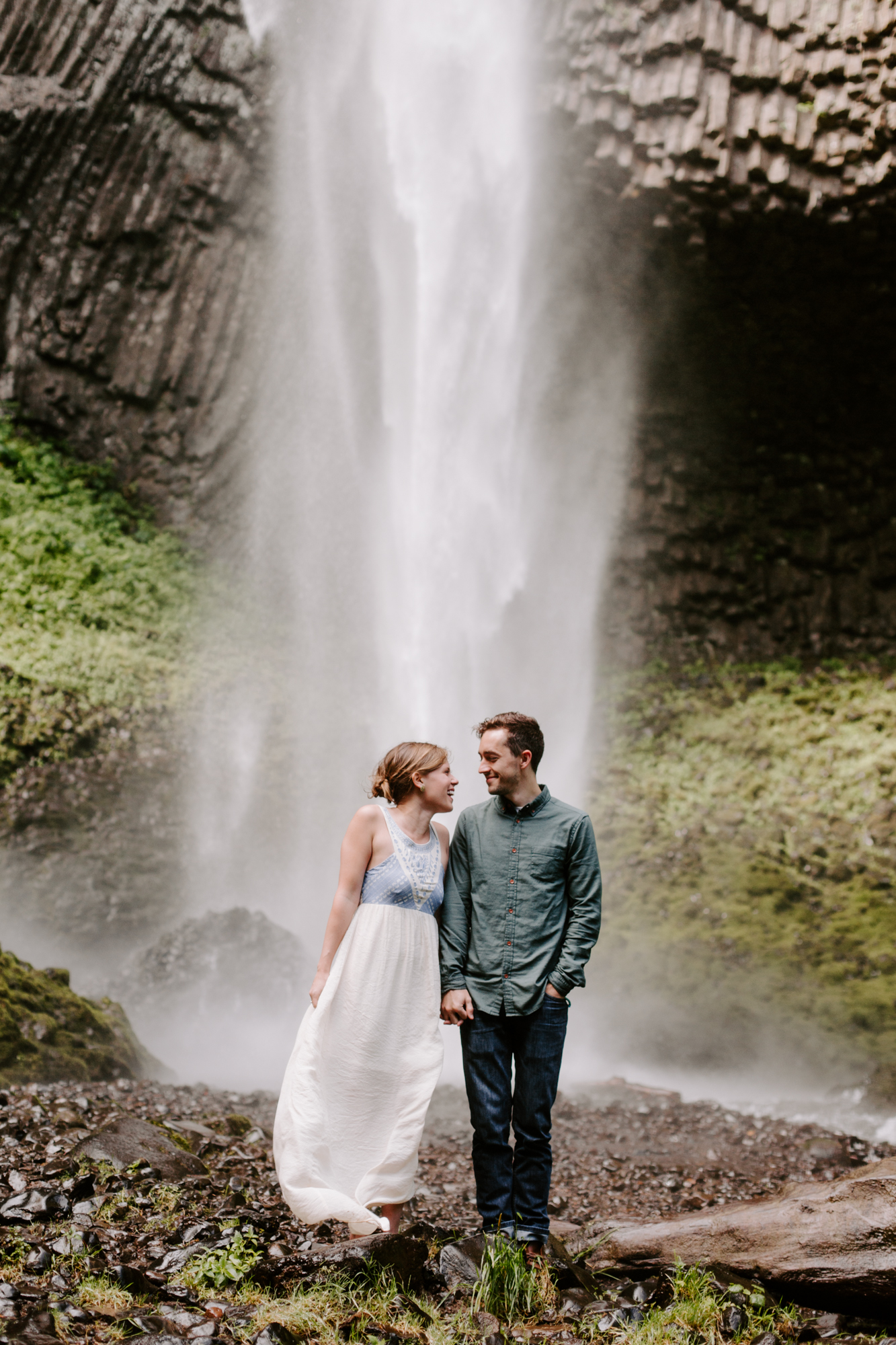 San Diego Engagement photography at LaTourell Falls Portland Oregon006.jpg