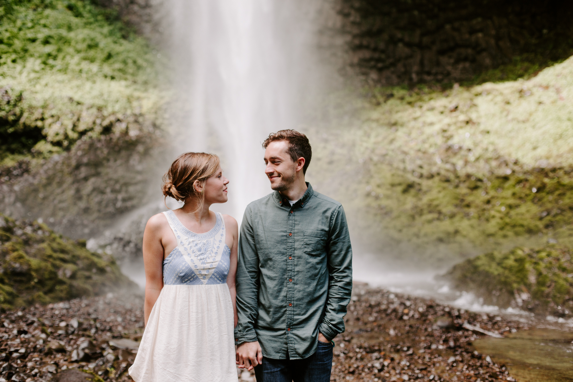 San Diego Engagement photography at LaTourell Falls Portland Oregon008.jpg