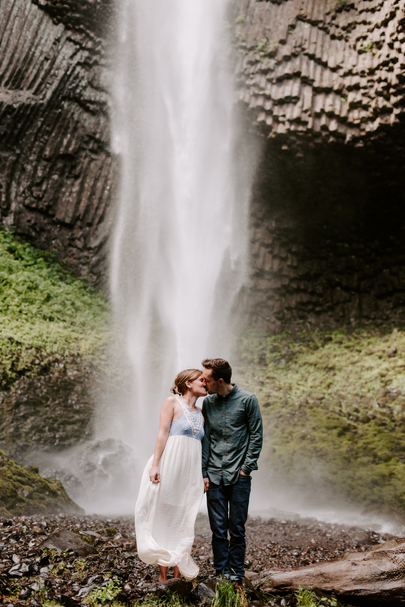San Diego Engagement photography at LaTourell Falls Portland Oregon007.jpg