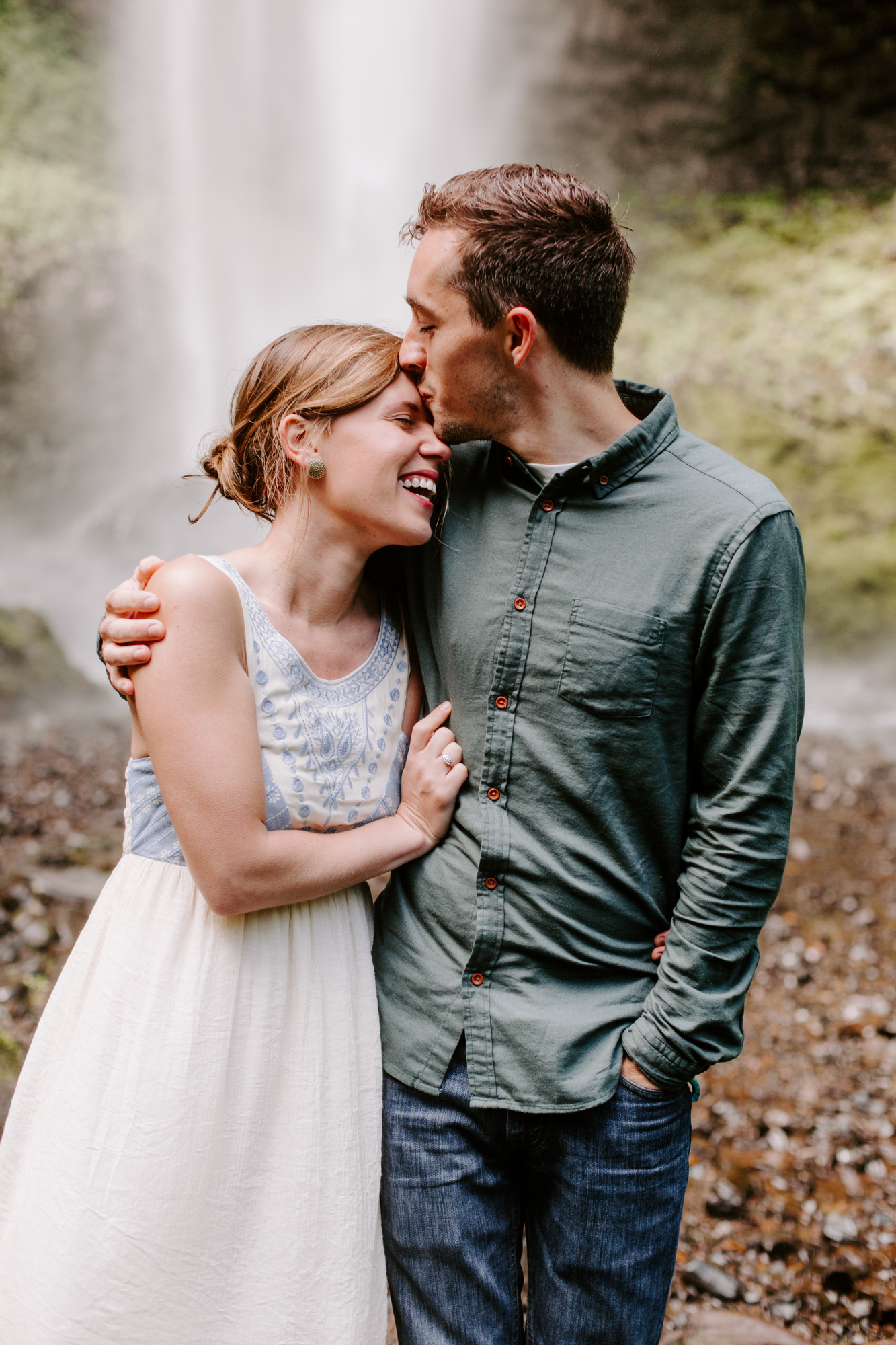 San Diego Engagement photography at LaTourell Falls Portland Oregon010.jpg